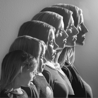 Mother and five daughters.